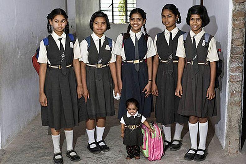 Jyoti Amge Wanita Terkecil di Dunia