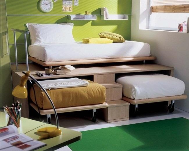 Bingung untuk menghias kamar kecil anda? Disini kami tambahkan gambar kreatif sebagai ide untuk men Dekorasi Kamar Kecil dan Sempit tersebut