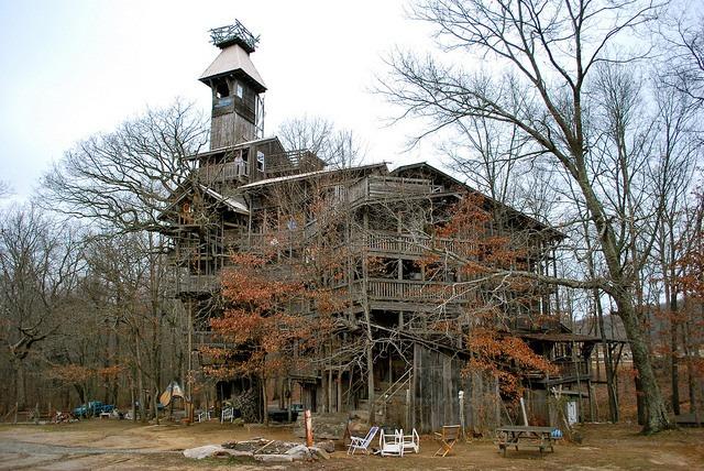 Inilah The Minister's Tree House - Rumah Pohon Terbesar Di Dunia