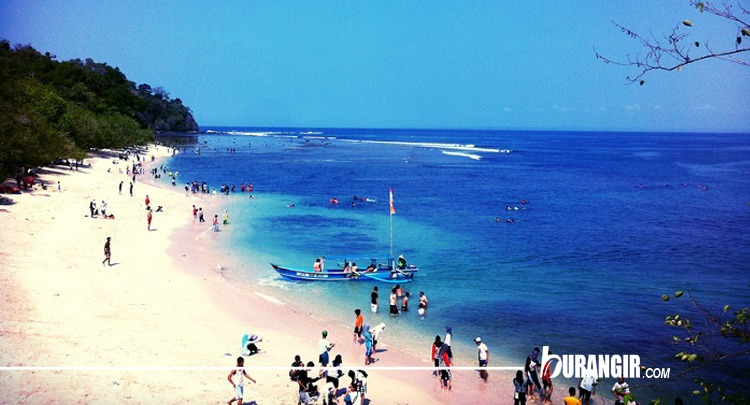 Pantai Pangandaran - Objek Wisata Pantai di Jawa Barat